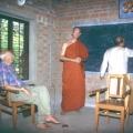 Kailash zeichnet Indien zum Referat von Ananda über seine Arbeit in Ladakh
