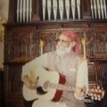 10 Govindh mit Gitarre.JPG